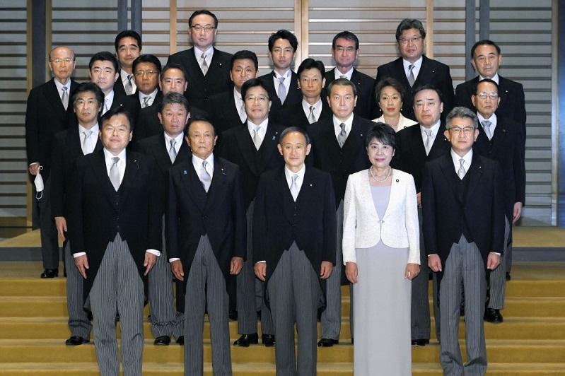 日本菅义伟内阁正式成立