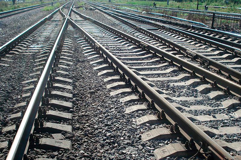 哈萨克斯坦铁路、石油和天然气以及采矿工程的产量正在增长