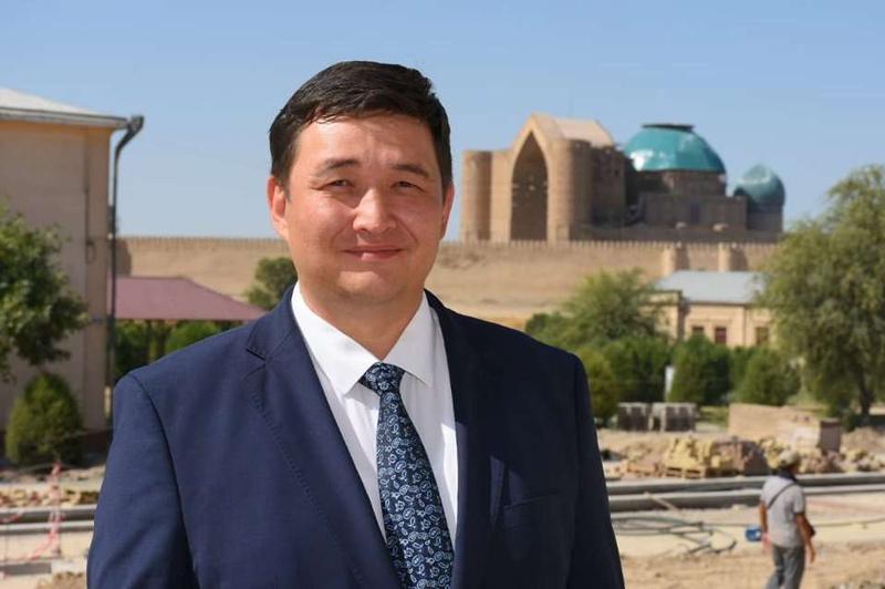 Túrkistan oblysy ákiminiń orynbasary sybaılas jemqorlyqtyń oryn alý sebepterin aıtty