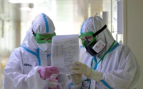 Свыше 2 млрд тенге выплатили атырауским медикам за борьбу с коронавирусом
