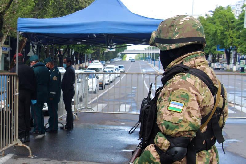 Узбекистан снимает ограничение на въезд и выезд