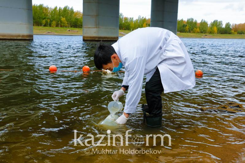 Как проводится мониторинг качества водных объектов в Казахстане