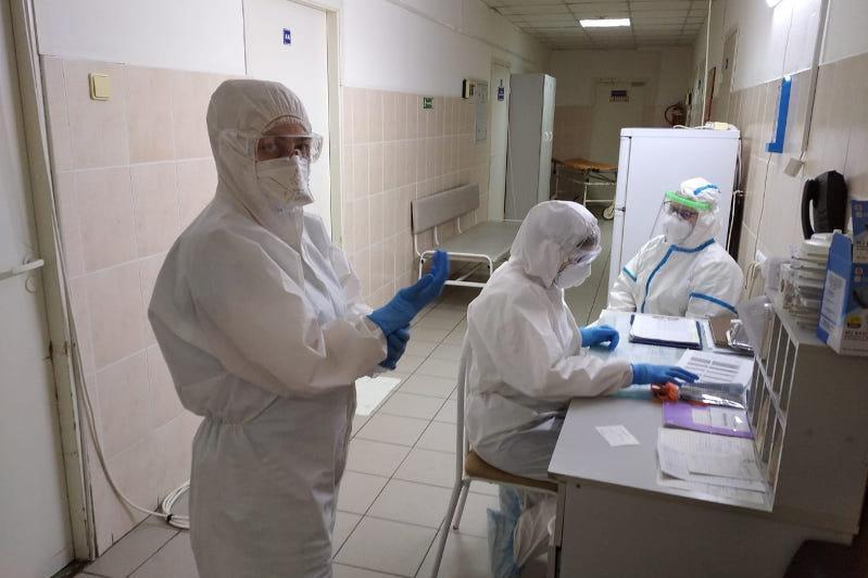 Свыше 2,6 миллиарда тенге выплатили медикам ЗКО за борьбу с коронавирусом