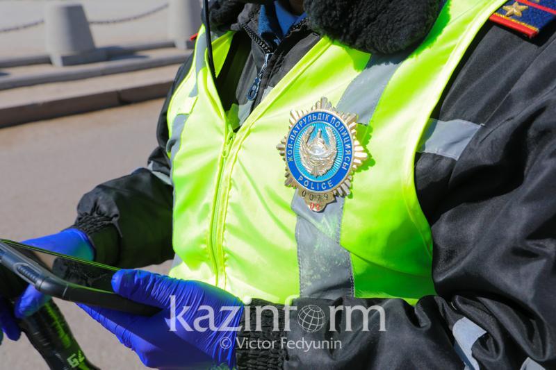 Свадебные катания обернулись для водителей штрафом в Алматинской области