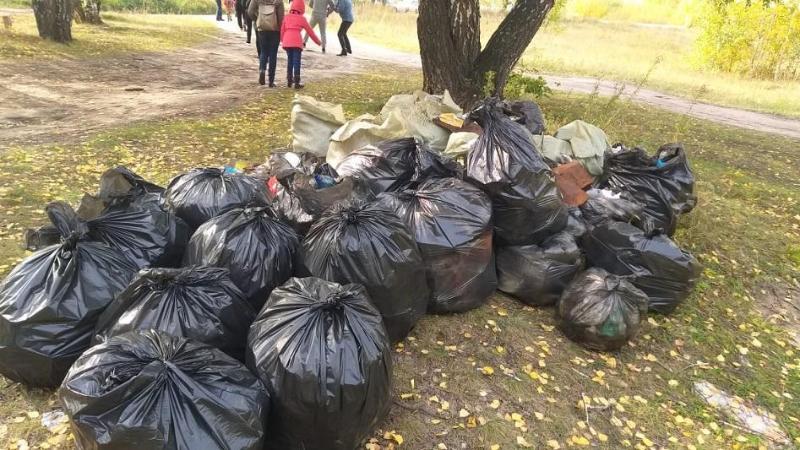 900 кг мусора собрали эковолонтеры и госслужащие в Петропавловске
