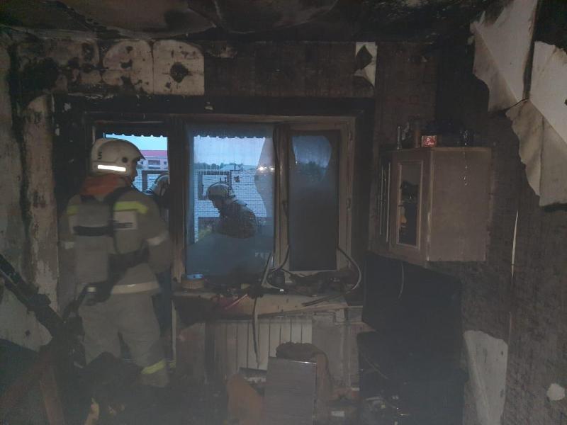 Оралда көпқабатты тұрғын үй өртеніп, 30 адам эвакуацияланды