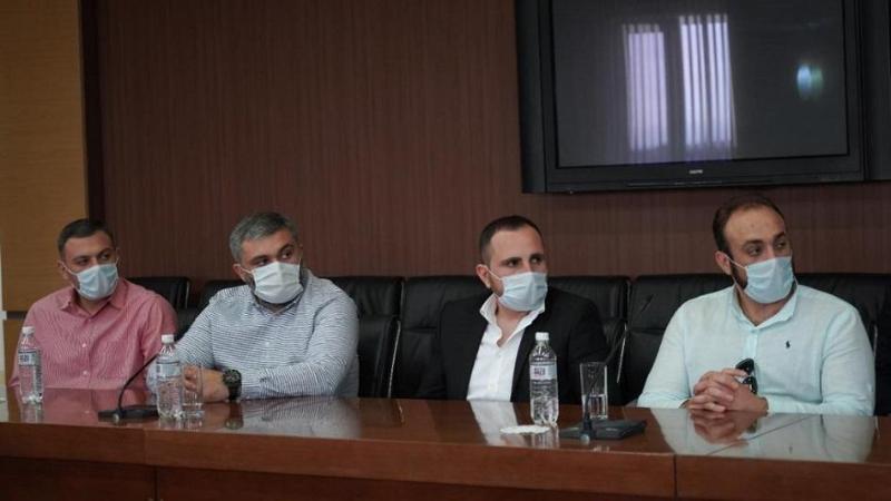 Врачи из Грузииприбыли в Атырау для борьбы с коронавирусом