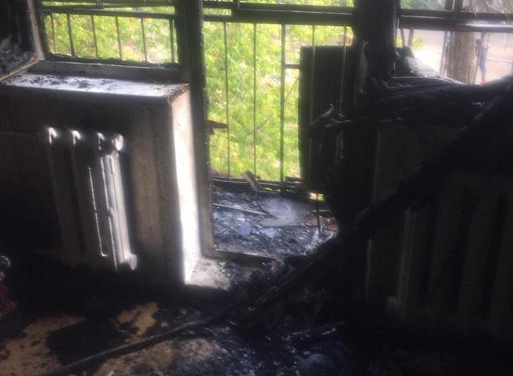 20 человек эвакуировали во время пожара в многоэтажном доме в Актобе