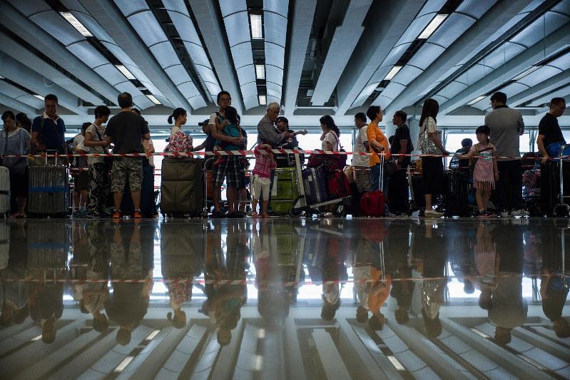 В Пекине могут отменить прямые международные рейсы