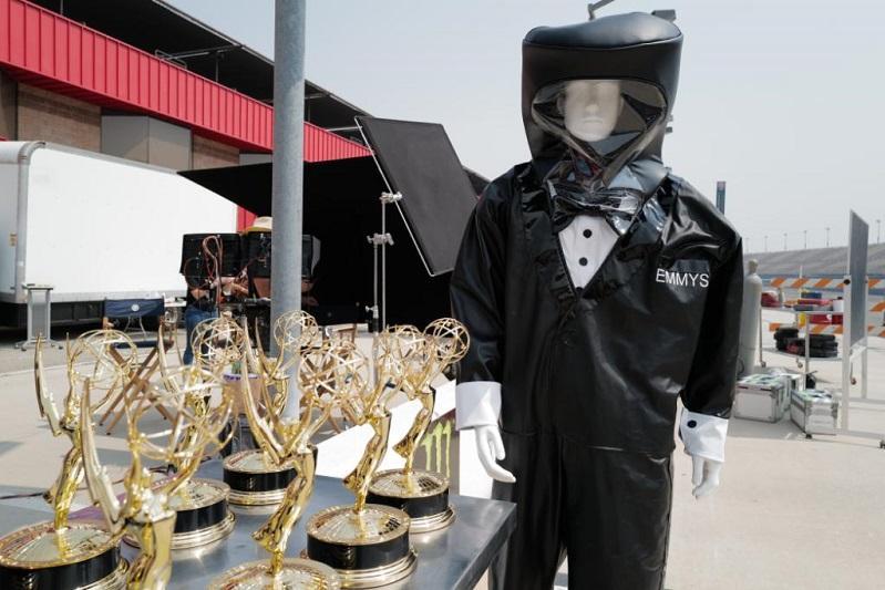 «Эмми-2020»: статуэтки будут вручать на дому люди в химзащитных смокингах