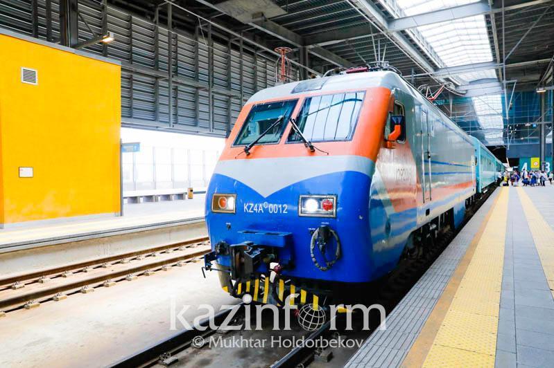 Услуги железнодорожного транспорта подорожали для пассажиров на 10% за год
