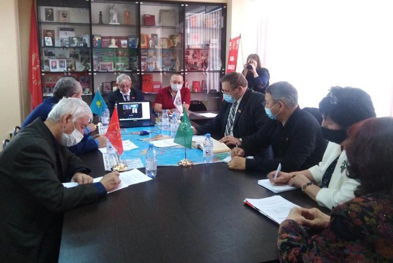 Алматылық коммунистер мемлекеттік басқаруда кадр жаңартуды қолдады