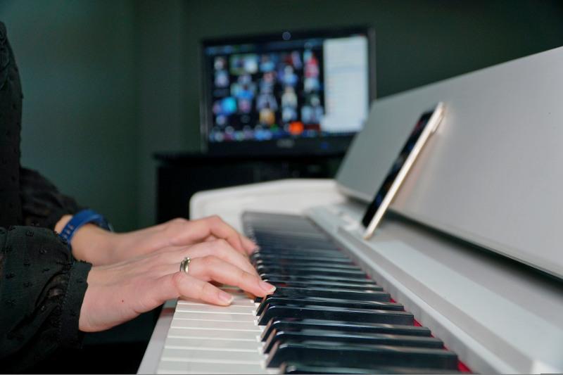 Выставки, концерты, спектакли могут посетить онлайн маленькие жители столицы
