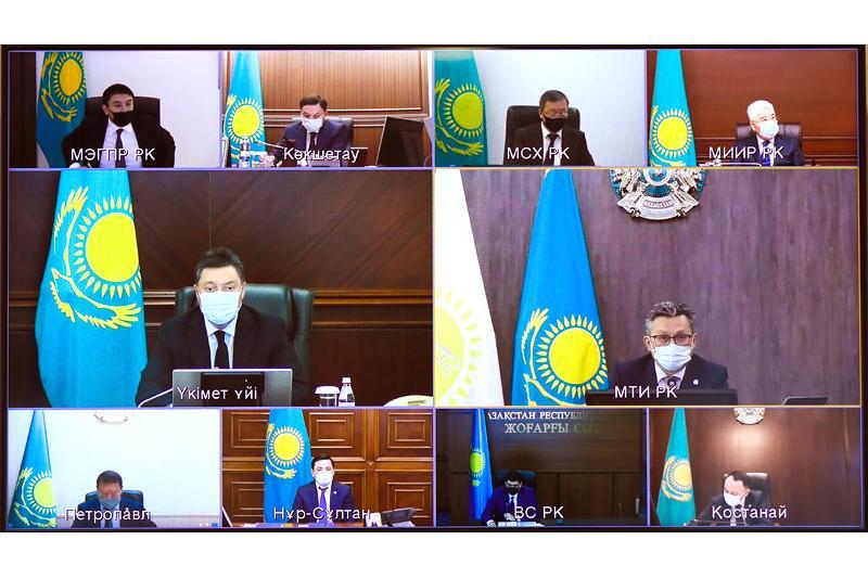 Глава Правительства дал ряд поручений по усилению защиты прав потребителей