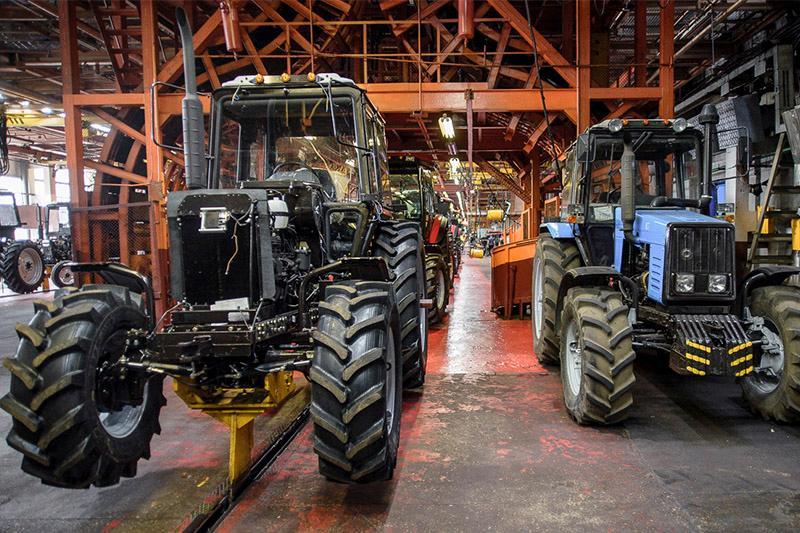 Bıyl Qazaqstanda 1 118 traktor jáne 736 kombaın qurastyryldy