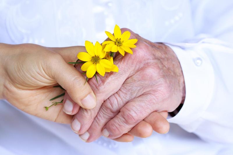 Ко Дню пожилых людей Минтруда проведет ряд мероприятий