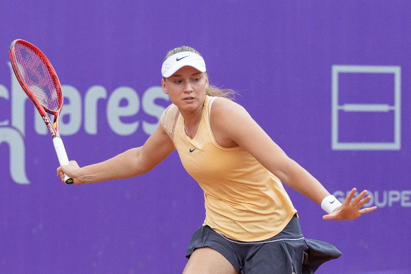 网球:热巴金娜晋级斯特拉斯堡公开赛第三轮