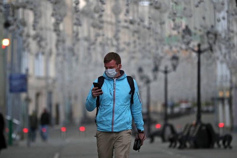 Медицинская маска снижает вероятность заражения инфекциями в 1,8 раза - Роспотребнадзор