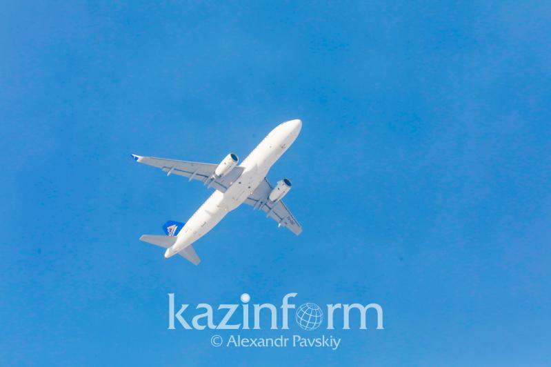 Борт «Air Astana» час кружит над Алматы: в авиакомпании дали пояснения