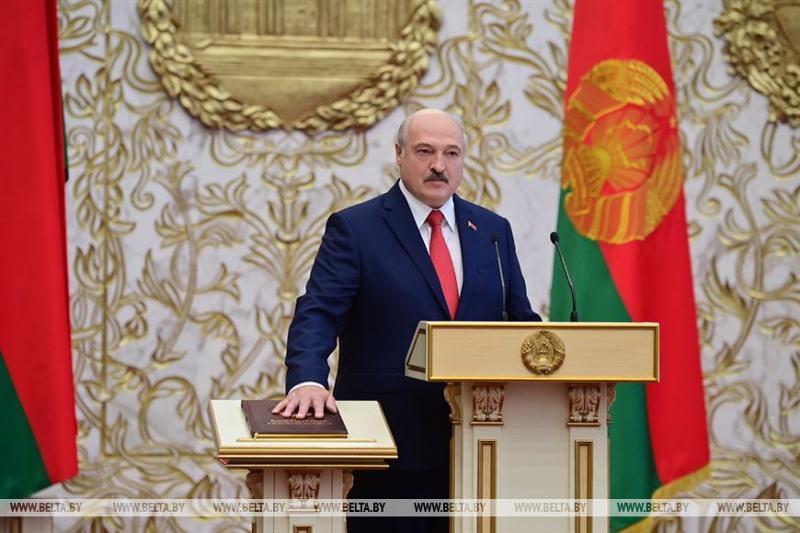Lukashenko sworn in as Belarus president