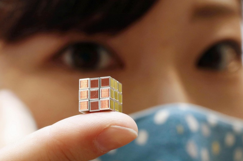 World's smallest Rubik's Cube unveiled in Japan at 40th anniv. event
