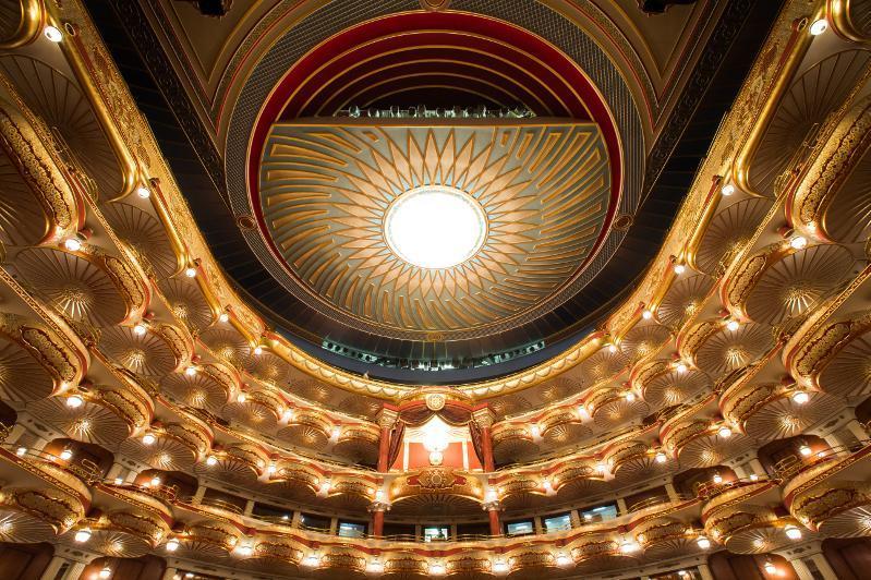 Almaty ákimdigi teatrlar nege jabyq turǵanyn túsindirdi