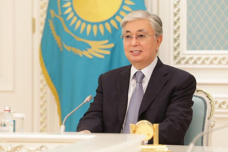 托卡耶夫总统与查克拉巴蒂举行会谈