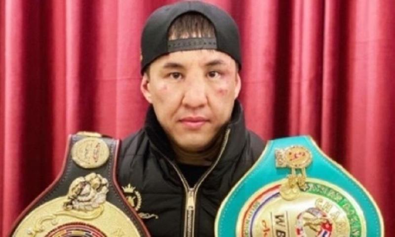 Казахстанский тяжеловес поднялся в мировом рейтинге после нокаута узбека в бою за титулы WBC и WBA