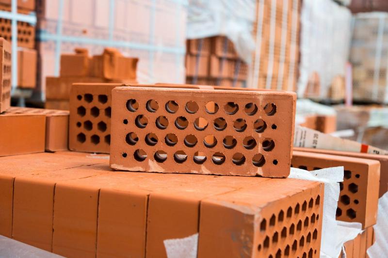 Камень, кирпичи и бетон: в Казахстане растет производство стройматериалов