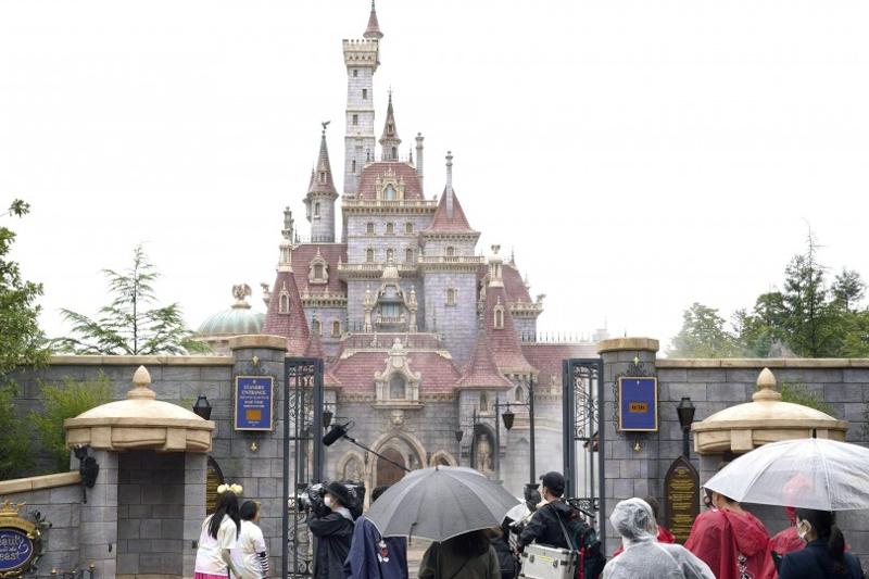 Tokyo Disneyland unveils new