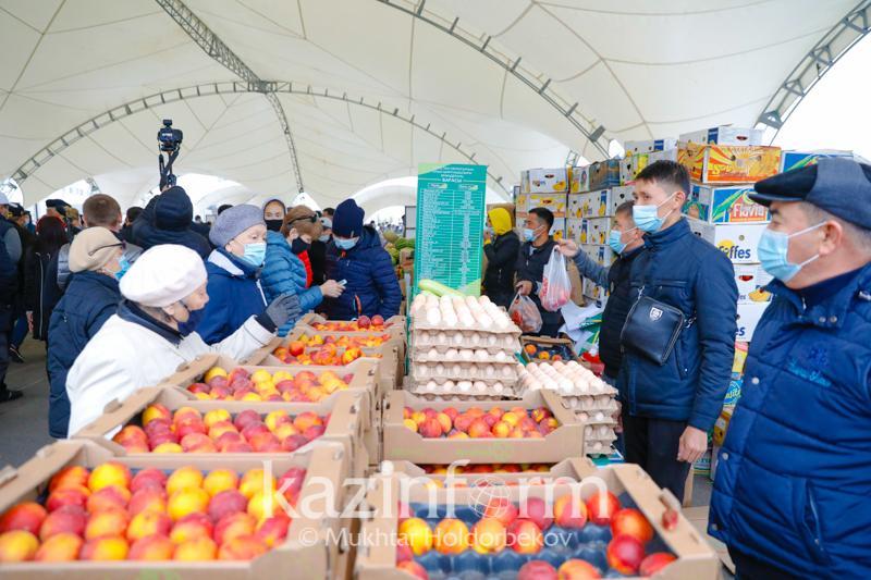 Около 300 тонн продукции привезут фермеры ВКО на столичную ярмарку