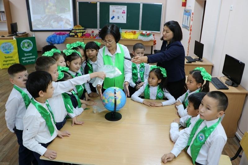 Более 2 тонн вторичного сырья собрали столичные школы в рамках экомарафона