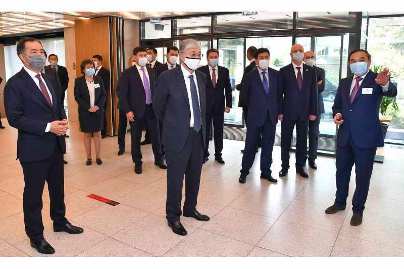 Президент РК посетил многофункциональный музыкальный центр «SEN» в Алматы