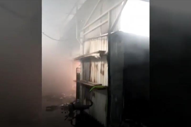 В Актау ликвидирован пожар на рынке «Масат»