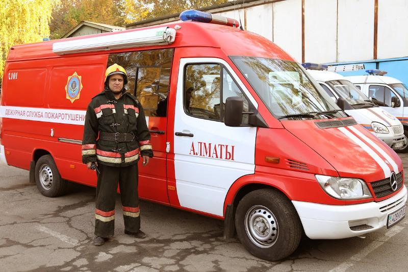 Иногда приходится личным примером вести за собой людей - Денис Ярцев из ДЧС Алматы