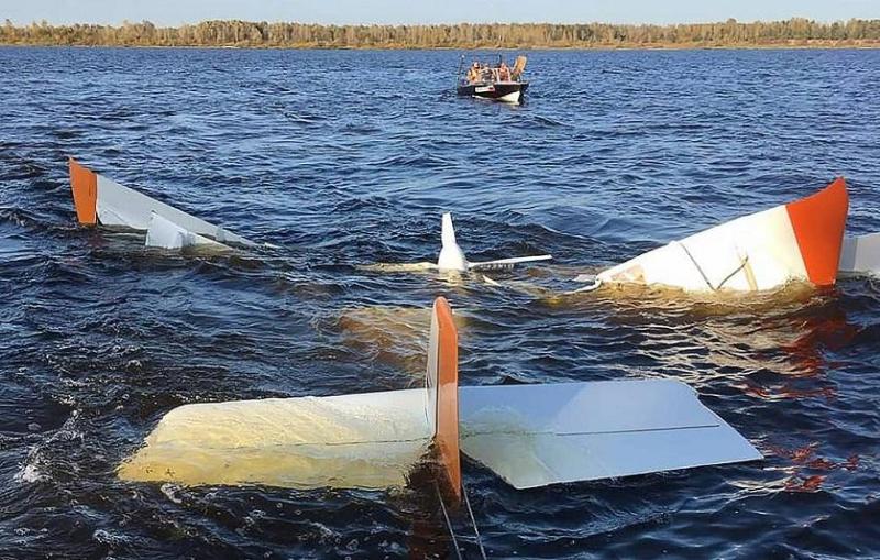 Легкомоторный самолет упал в Волгу: погибли два человека