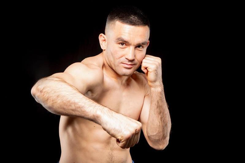 Қазақстандық боксшы әлем чемпионы атағы үшін жекпе-жек өткізбек