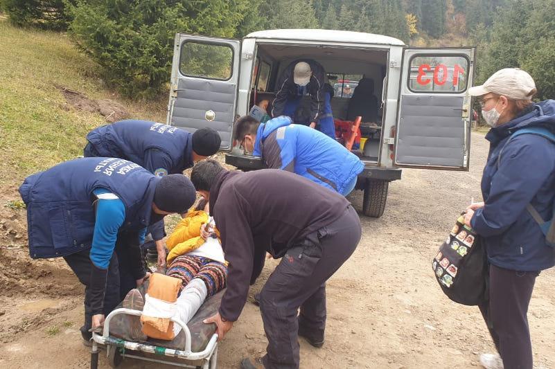 Случаи травматизма среди туристовучастились вгорах близ Алматы