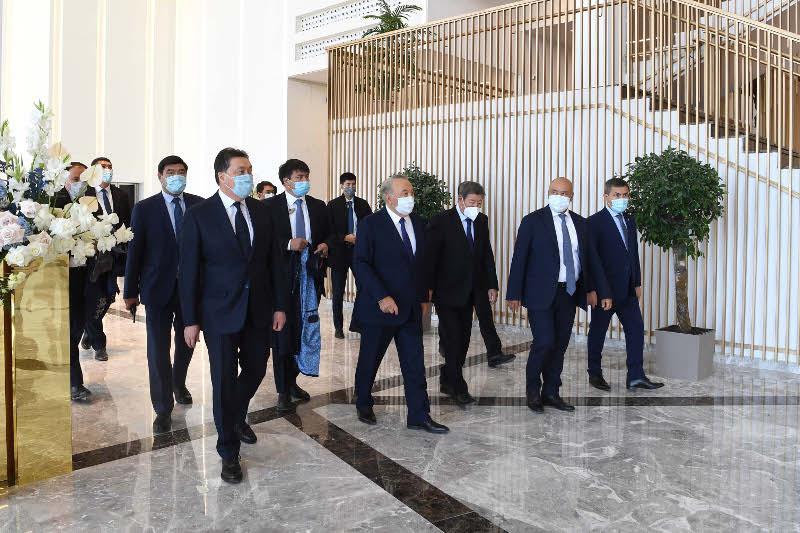 Нурсултан Назарбаев посетил многофункциональный концертный зал «Конгресс-холл»