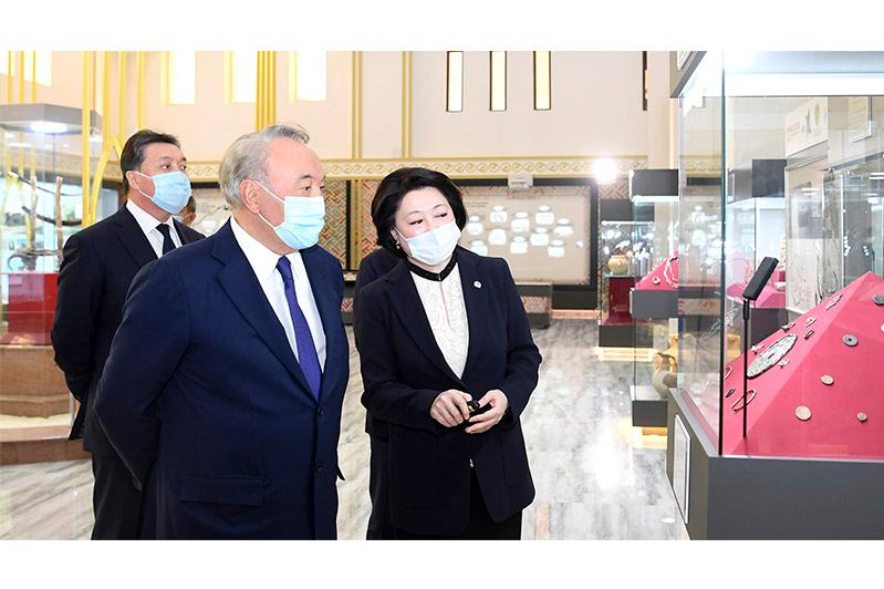 Nursultan Nazarbayev gets familiarized with Turkestan further development plans