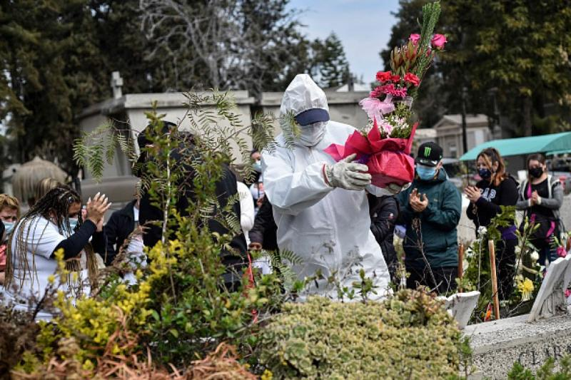 Global COVID-19 death toll tops 1 million: U.S. tally