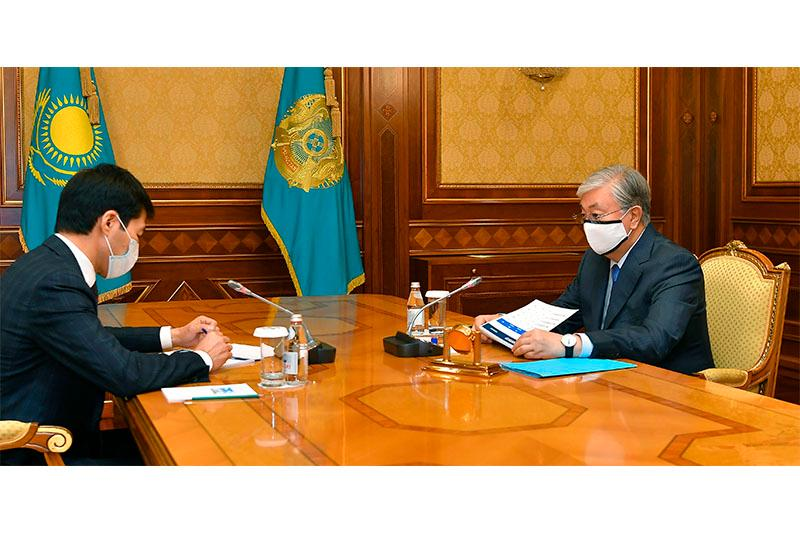 President receives Governor of West Kazakhstan rgn