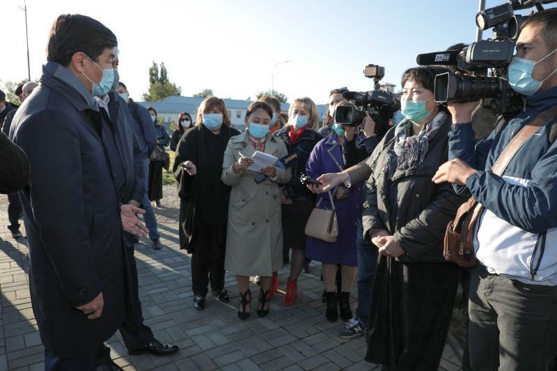 Бауыржан Байбек встретился с жителями Талдыкоргана и Капшагая