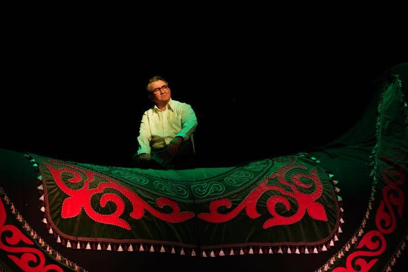 Впервые на театральной сцене воплотили образ Жубана Молдагалиева в ЗКО