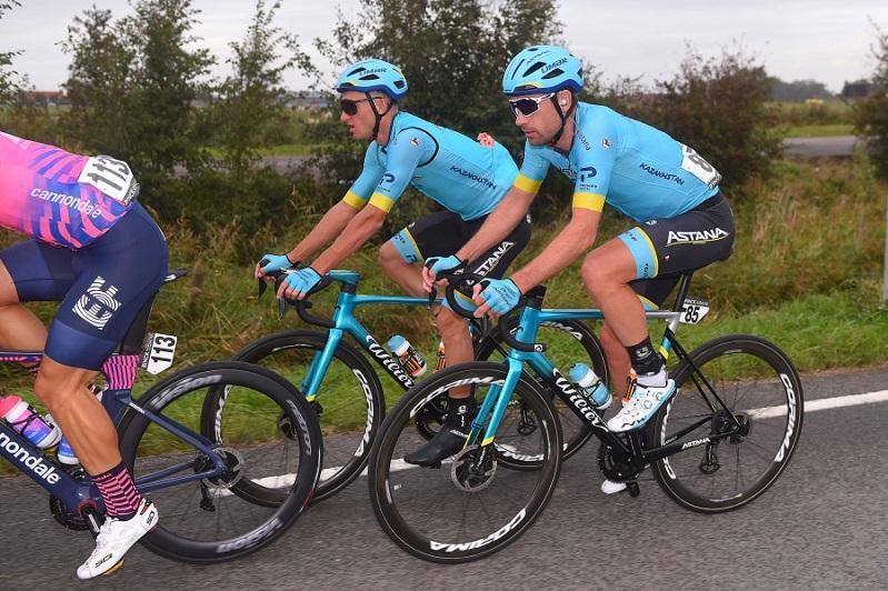 Astana riders survive huge crash in BinckBank Tour Stage 1