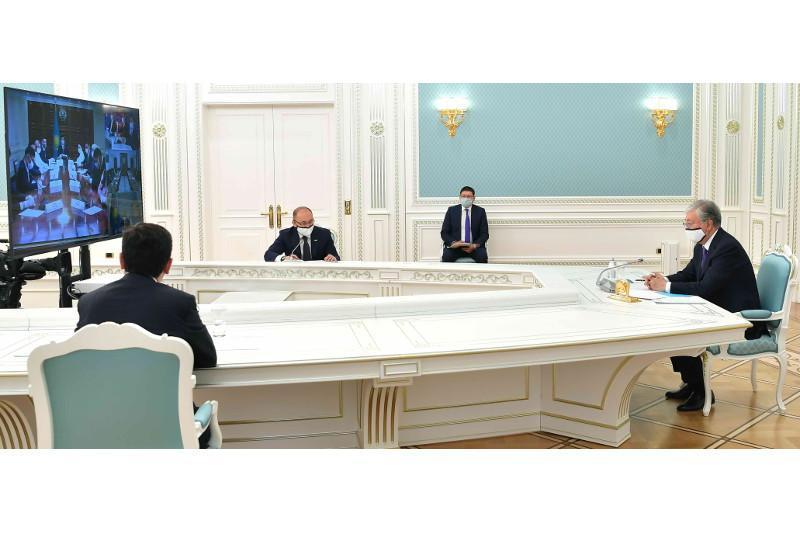 ҚР Президенти хайрия ва кўнгиллилар ташкилотлари вакиллари билан учрашди