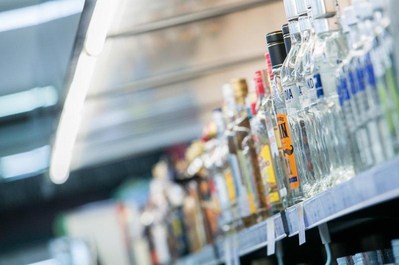 Более 1 млн заплатили таразские торговцы за нарушения реализации алкогольной продукции