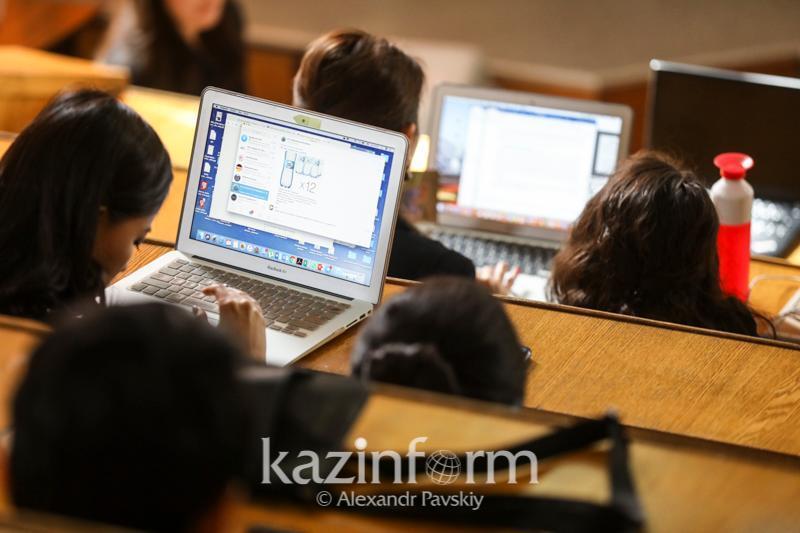 Почти 60% всех услуг в сфере высшего образования оказаны в Алматы и Нур-Султане