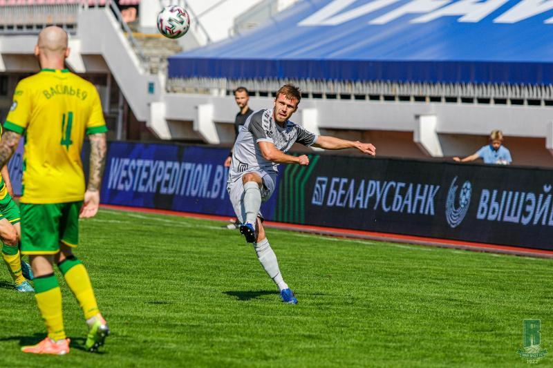 Казахстанский футболист вошел в символическую сборную тура Высшей лиги Беларуси