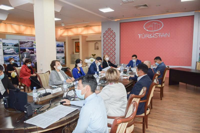 突厥斯坦市举办圆桌会议讨论旅游业发展